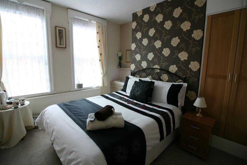St Hilda Guest House Bridlington Room 3 double bedroom